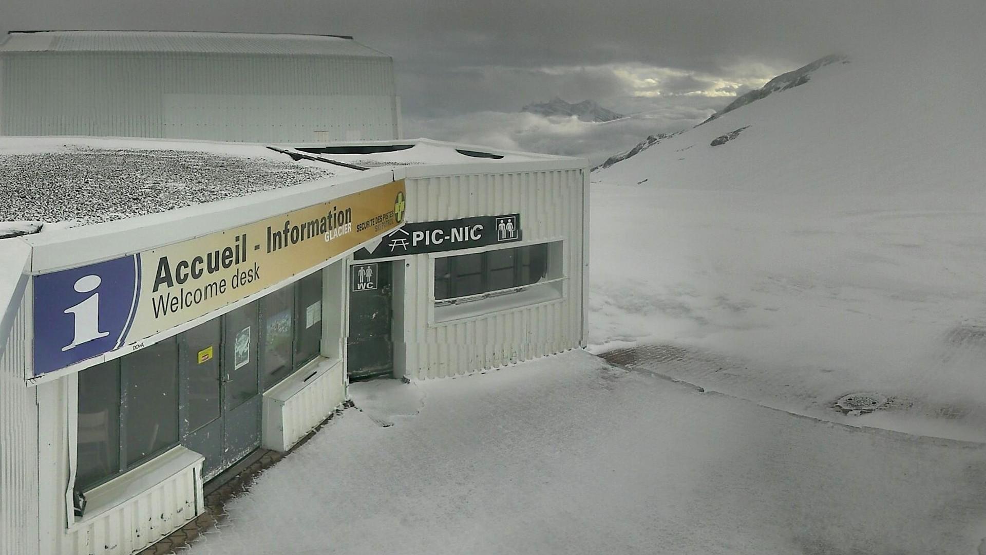20200428_073200_mega_2alpes_restaurant-les-glaciers_1920x1080