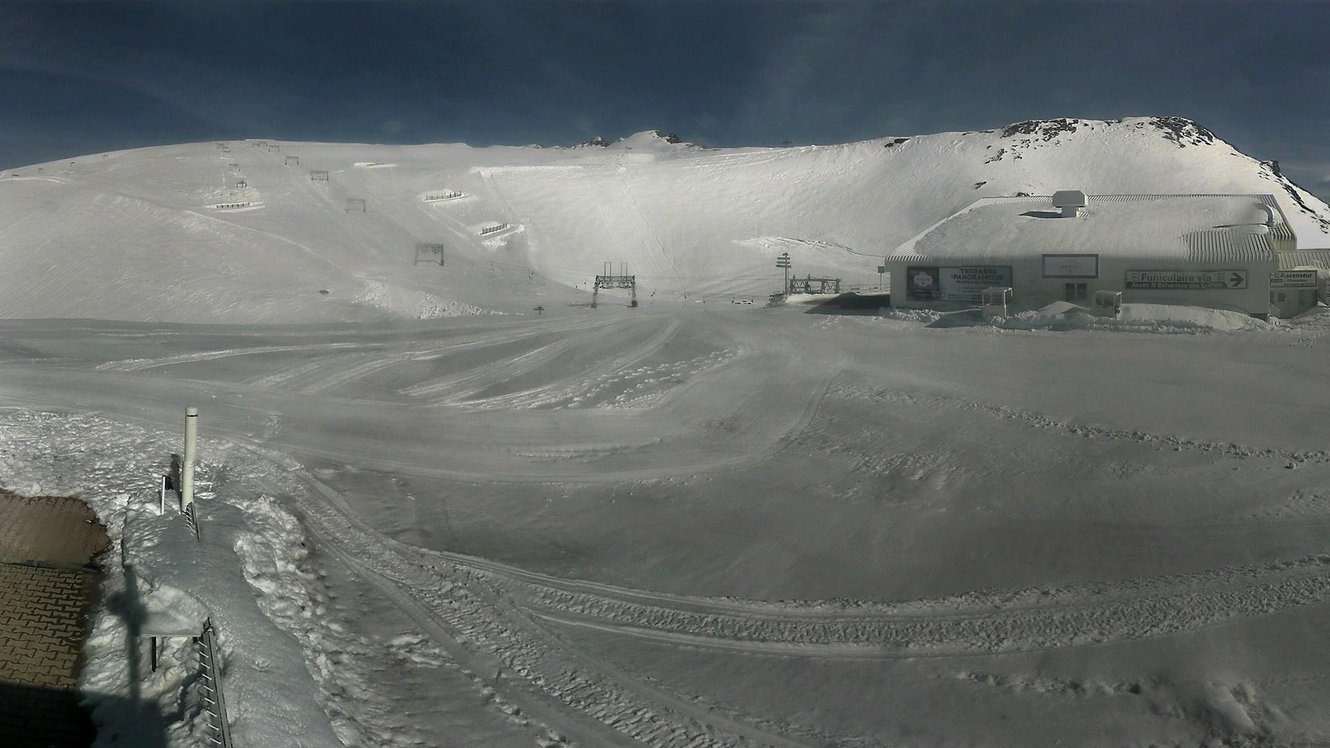 20200507_173300_mega_2alpes_restaurant-les-glaciers_1920x1080