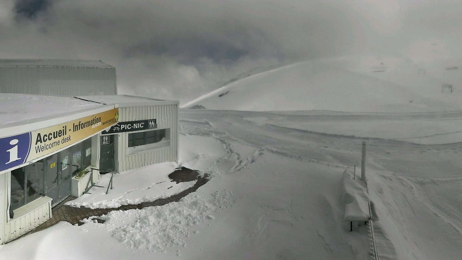 20200511_113300_mega_2alpes_restaurant-les-glaciers_1920x1080
