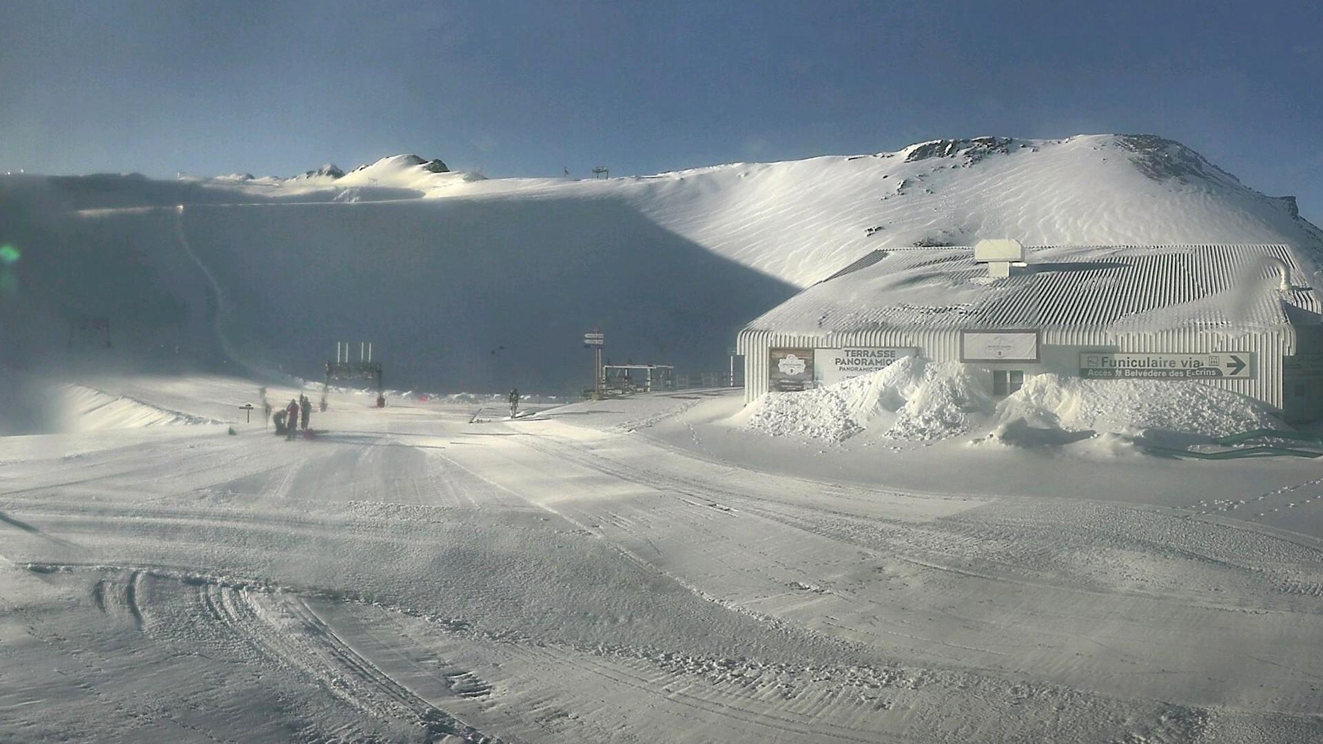 20200608_070300_mega_2alpes_restaurant-les-glaciers_1920x1080