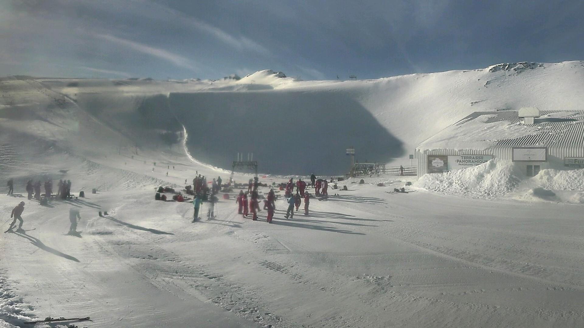 20200616_073300_mega_2alpes_restaurant-les-glaciers_1920x1080