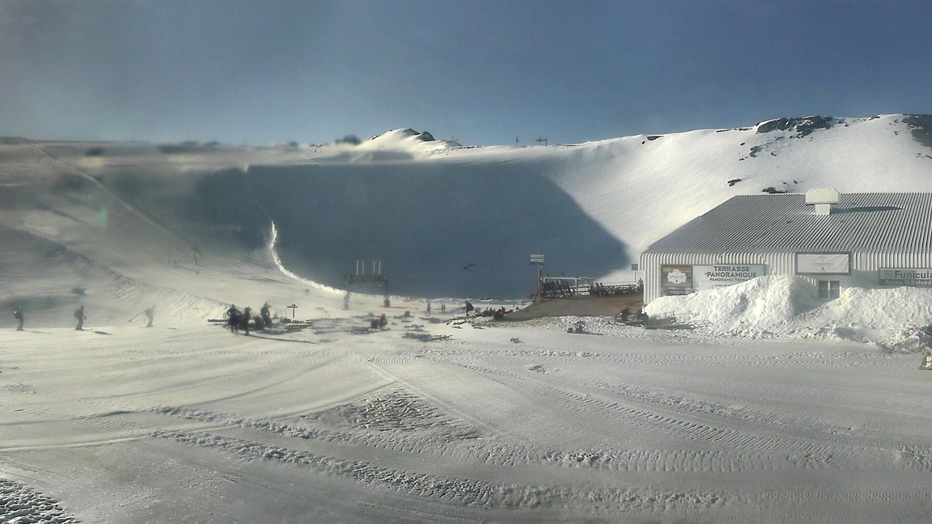 20200625_073300_mega_2alpes_restaurant-les-glaciers_1920x1080