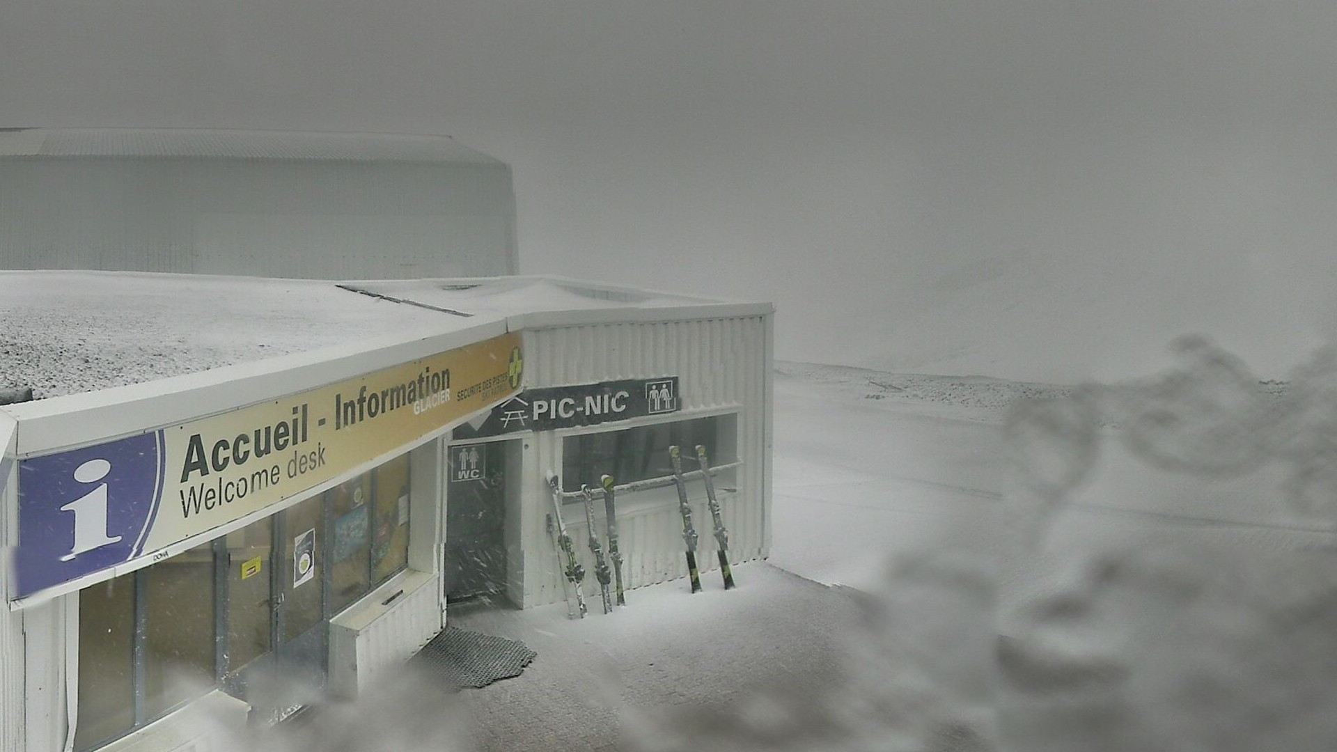 20200829_073300_mega_2alpes_restaurant-les-glaciers_1920x1080